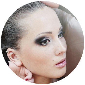 Olivia Frank -  Model / Nails Art